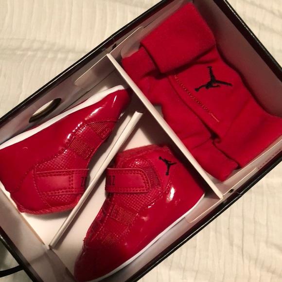 on sale 5dcb5 ee48e Jordan 11 INFANT sneaker & hat set. NWT